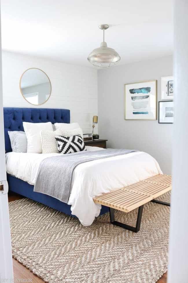 bedroom_rug_pillows_bench
