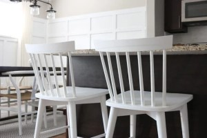 white_counterstools_kitchen-5