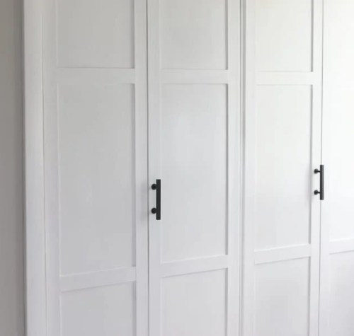 lowes-makeover-bedroom-reveal-closet-doors-hardware