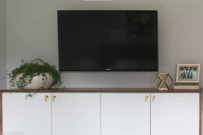 lowes-makeover-bedroom-reveal-fauxdenza-tv-plant