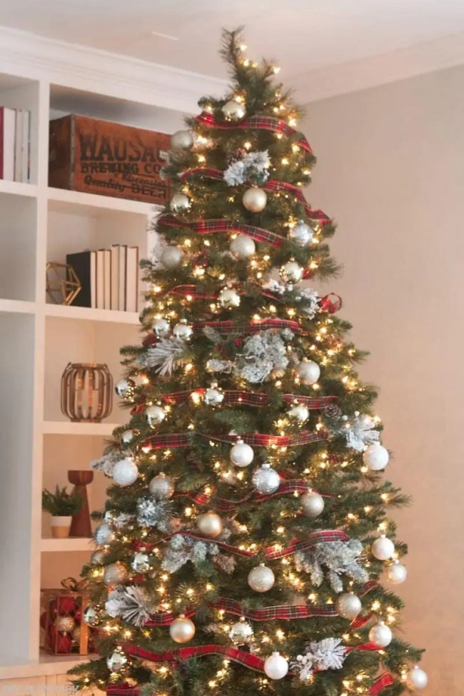 michaels-christmas-tree-2016-tree-top