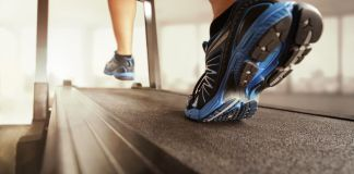 close up running shoes treadmill 848x565 px