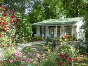 oatman-garden-take-a-stroll