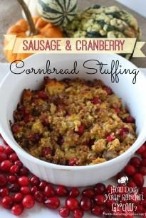 Sausage & Cranberry Cornbread Stuffing - www.thefarmgirlgabs.com
