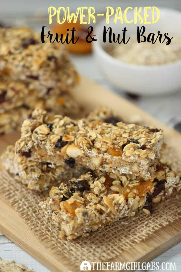 Power-Packed Fruit & Nut Bars are great way to fuel-up in the morning, before or after exercising, or just when you need a mid-day pick me up snack. [AD] #StartWithJifPowder