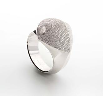 Bracelet in white gold and diamonds