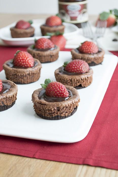Mini Chocolate Strawberry Cheesecakes