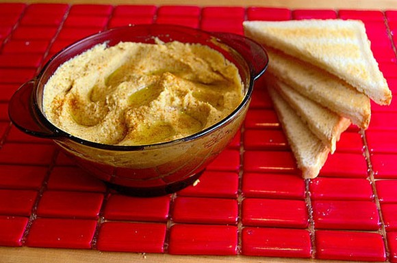 Low-Calorie Bean and Sesame Seed Hummus recipe by Diet Recipes Blog