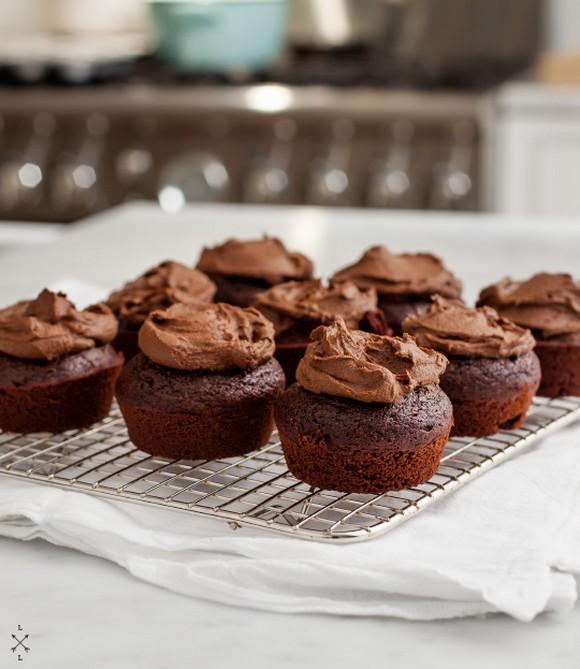 Vegan Chocolate Cupcakes with Avocado Frosting recipe by Love & Lemons