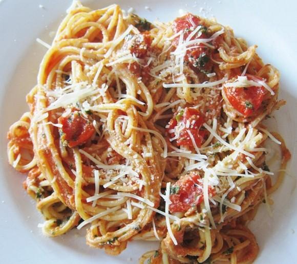 Pasta With Cherry Tomatoes And Ricotta Cheese recipe photo