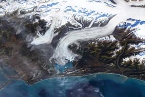 WEB_NEWS_UofO-Teams-with-CSA-to-Study-Glaciers_CC,-NASA