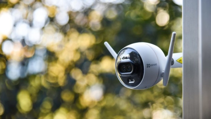 EZVIZ C3X AI-powered camera