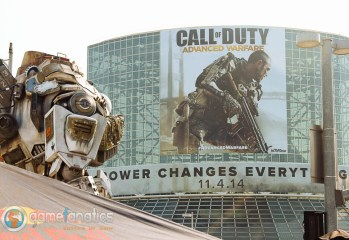 Oh the Irony Titanfall vs Call of Duty E3 2014 - Game Fanatics