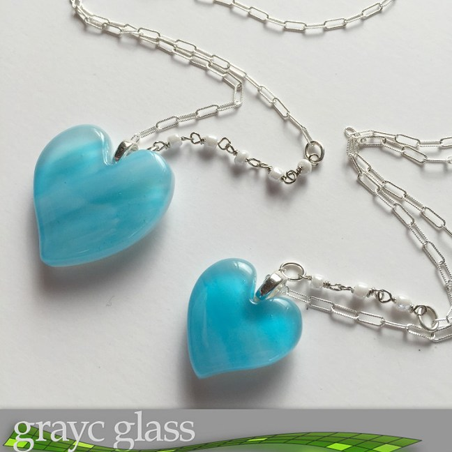 gracycglass_valentine_heart_necklace_mom_and_daughter