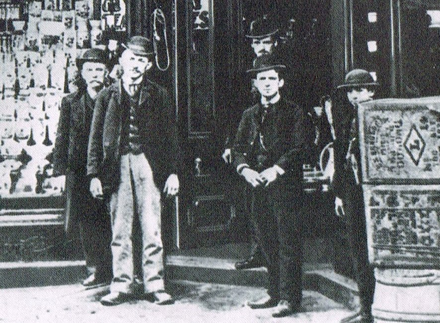 Grocery store clerks, 1880