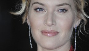 Kate Winslet gives birth