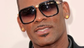 R Kelly compares Chris Brown to Jesus, Martin Luther King, Ali
