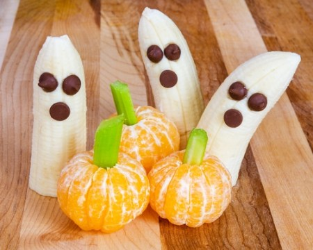 spooky ghost bananas for halloween treats
