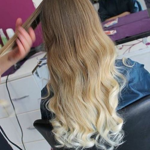 Killing light hair with blonde ombre for long hair