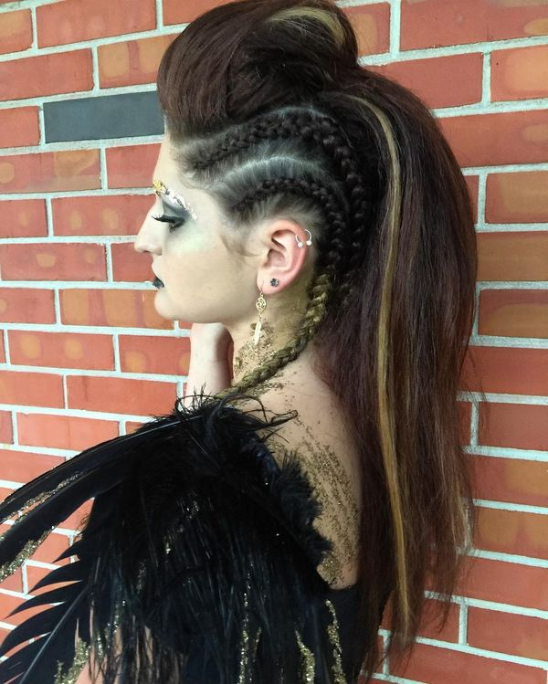 Extreme Rockabilly Hairstyle for Crazy-Head