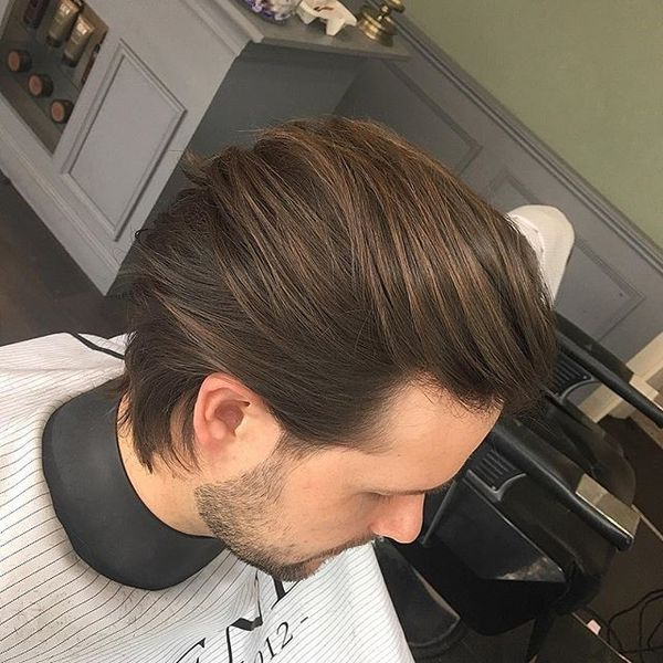 Light And Sleek Hairstyle for Men