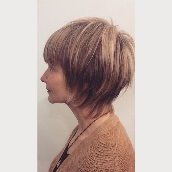Amazing Ladies Bob with a Straight Fringe0