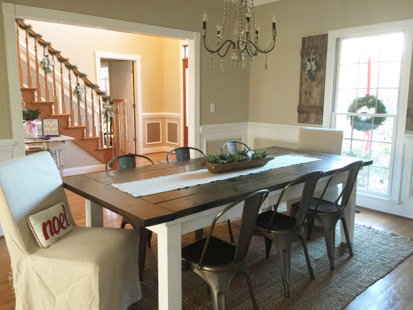 Holiday-Home-DiningRoom