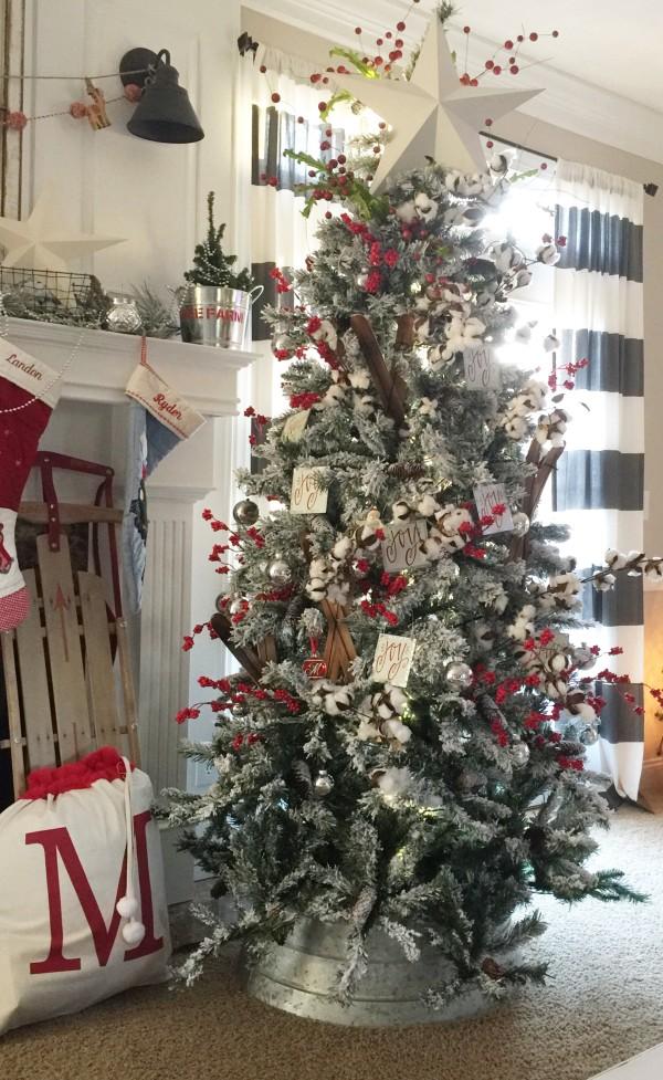 Holiday-Home-Tree