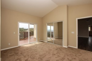 017_FOR_SALE_24153_Via_Mirola_Temecula_De_Luz_VIANEY_OJEDA_909.942.6165_Main_Level_Bedroom
