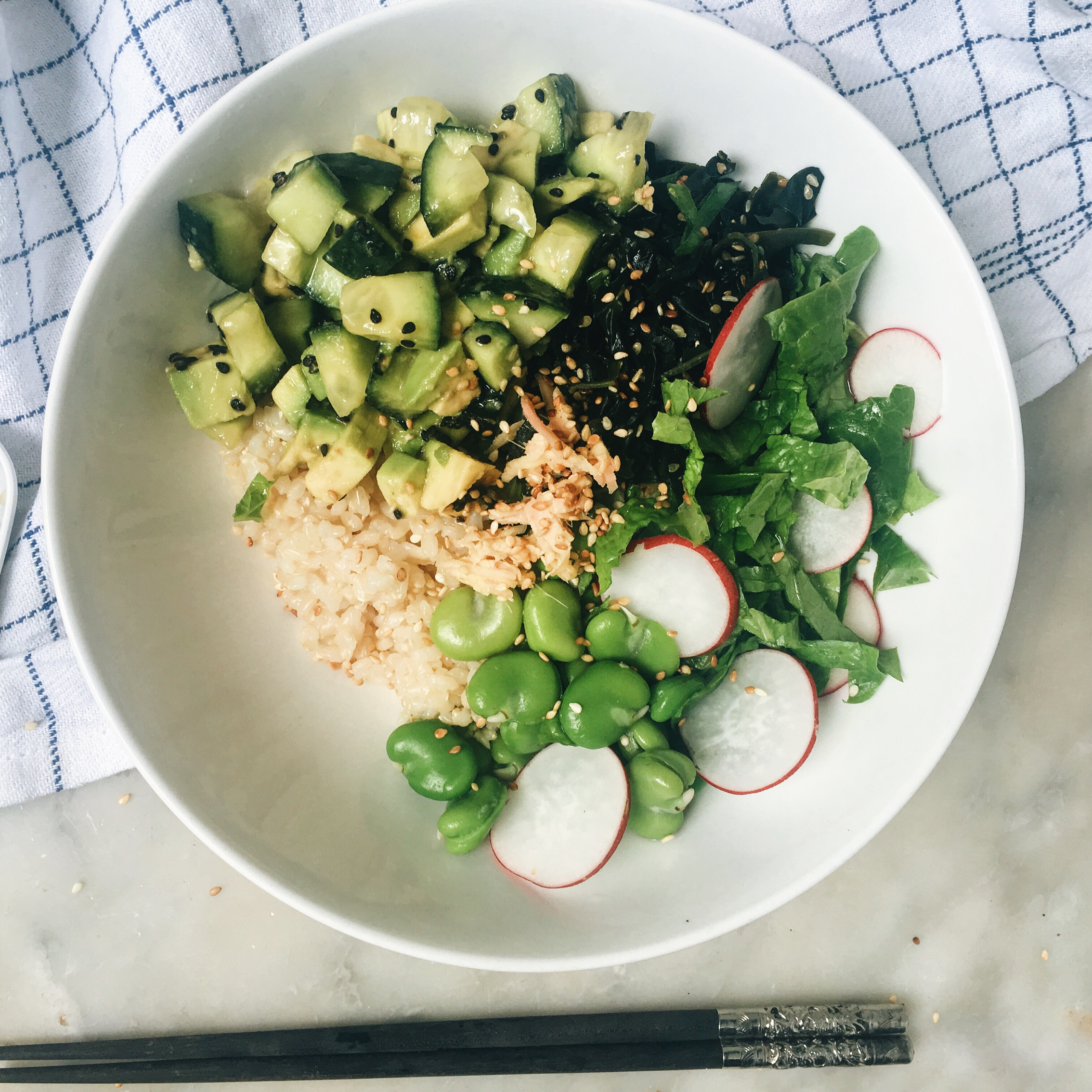AVOCADO AND CUCUMBER SUSHI BOWL | The Healthy Hunter