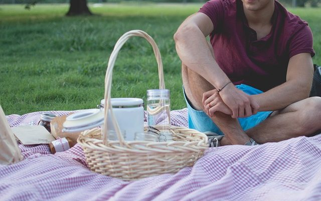 how to keep food warm for a picnic