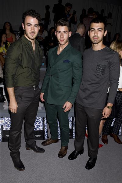 jonas brothers fashion week spring 2014