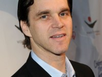 Luc Robitaille receives Humanitarian Award