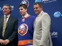 Garth Snow, John Tavares and Scott Gordon (Nassau News Live/Flickr)