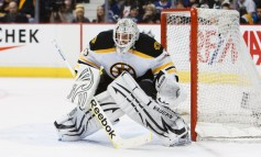 Tim Thomas sets an NHL record as Bruins beat Senators