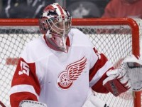 Jimmy Howard has been excellent for the Detroit Red Wings this year and is a huge part of their 15-game home win streak. Can he and the Wings continue this home success? (Icon SMI) (Icon SMI)