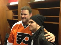 Eric Lindros meets with Flyers forward Zac Rinaldo (cr: Dustin Leed/The Hockey Guys)