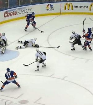 Defenseman slide on penalty kill