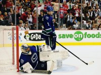 Roberto Luongo is no longer with the Canucks and once again enjoying the familiar surroundings of Florida as he and Al Montoya look to bring the Big Cats back into the Eastern Conference Playoff picture. (Anne-Marie Sorvin-USA TODAY Sports)