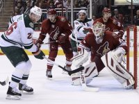 Devan Dubnyk now plays for the other team in this picture, and he has been faring quite well with the Minnesota Wild. (Jennifer Stewart-USA TODAY Sports)