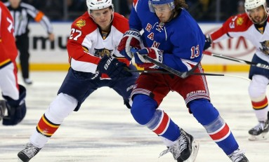 Kevin Hayes Signs Two-Year Deal, Avoids Arbitration with Rangers