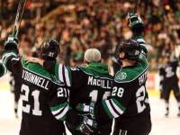 UND's Senior Class Salutes the fans (Peter Bottini / UND Athletics)