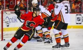 """Johnny Gaudreau Tweets """"I Love Calgary"""" Amid Contract Talks"""