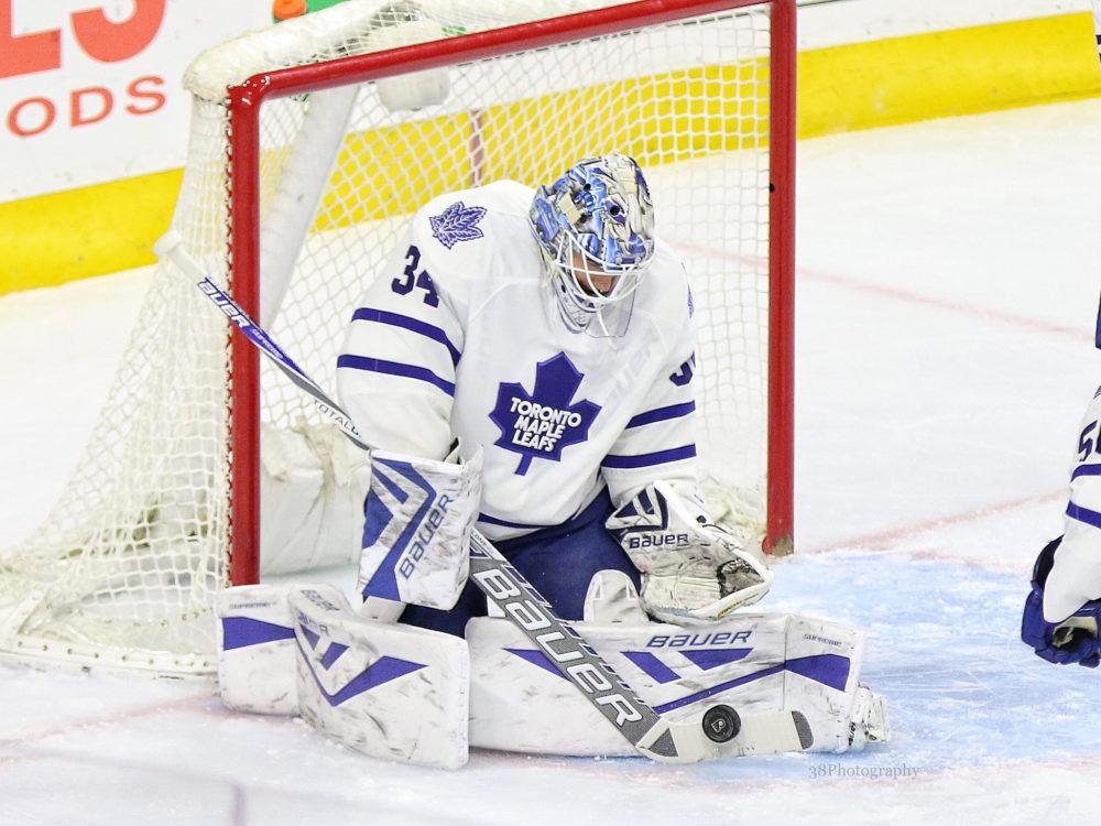 Maple Leafs' Auston Matthews has hat trick in NHL debut