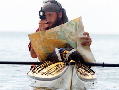 Jason_Lewis_kayaking_through_Indonesia