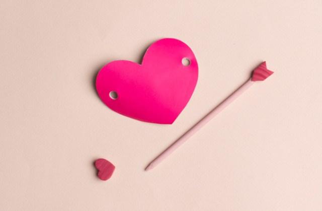 Valentine's arrow pin