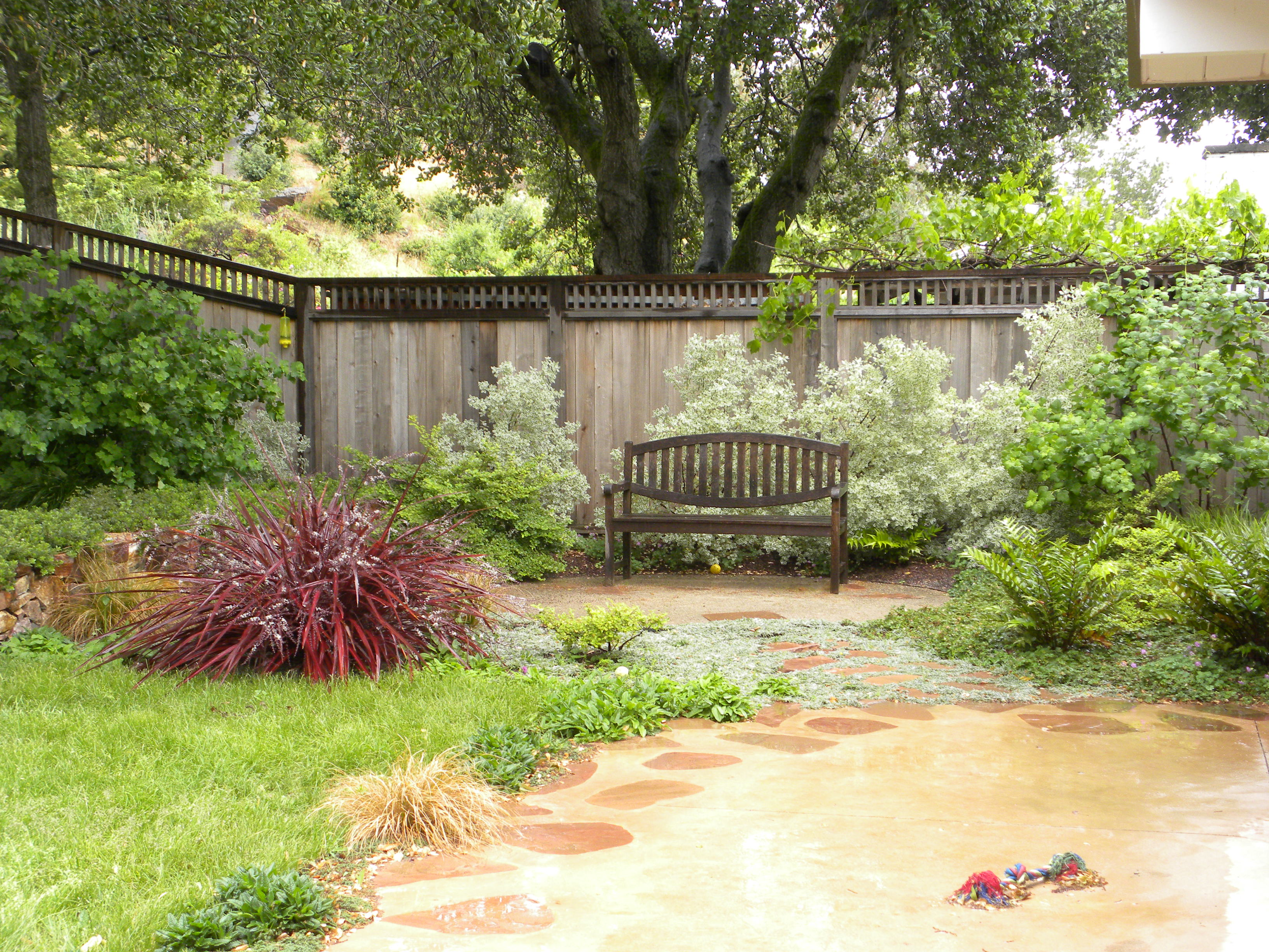 Clever Front Decomposed Granite Patios Human Footprint Decomposed Granite Patio Pros Cons Decomposed Granite Patio Designs Bench Sits On A Decomposed Granite Patio Which Transitioned From Concrete Pat houzz-03 Decomposed Granite Patio