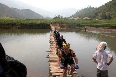 biking_vietnam_rice_field