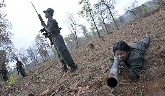 Maoist-rebels-exercise-at-001