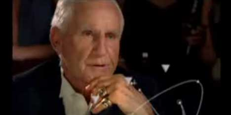 Don Shula ponders his next move in Budweiser Select Holographic Football TV ad